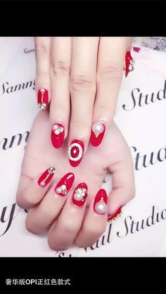 Red Pearl gel nail