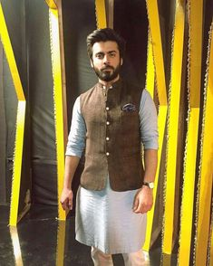 Pakistani outfit by Republic. Worn by actor Fawad Afzal Khan. Mens Indian Wear, Mens Ethnic Wear, Indian Groom Wear, Indian Men Fashion, Mens Fashion Suits, Male Fashion, Sherwani For Men Wedding, Wedding Dresses Men Indian, Wedding Dress Men