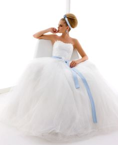 Model: Giulietta - Collezione Chanel di Gloria Saccucci Spose