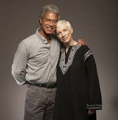 Dr. Mitch Besser of @M2MTweets & @Annie Lennox share story of extraordinary moms! 1SHARE=$1 #globalmoms