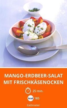 Mango-Erdbeer-Salat mit Frischkäsenocken - kalorienarm - schnelles Rezept - mittel - So gesund ist das Rezept: 8,7/10 | Eine Rezeptidee von EAT SMARTER | Nüsse, Salat, Obstsalat, Erdbeer-Salat, Menü, Dessert, Erdbeerdessert, Obstdessert, Vegetarisch #obst #gesunderezepte Eat Smarter, Eggs, Breakfast, Desserts, Food, Fruit Salads, Fast Recipes, Fresh, Healthy Recipes