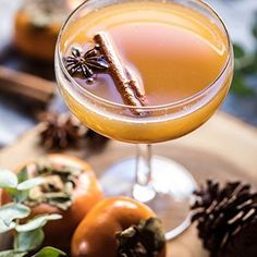 Spiced Persimmon Bourbon Old Fashioned 🖤can I be extra cheesy for just a minute? This is the perfect warming drink (hello to spice maple and plenty of bourbon) for the cold fall and winter nights ahead. Ideal for cozying up next to a warm fire with blankets...and probably fuzzy socks too--> probably the cheesiest line ever, but all so true. You need this drink tonight. You do. Recipe is up on halfbakedharvest.com today. #feedfeed #foodandwine #f52grams #buzzfeast #christmasdrinksaturday…