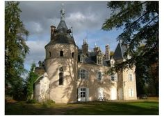 Beautiful Limousin Château with moat all around, 4 hectares, lovely original round Chapel, Haute-Vienne, Limousin>>€579,820 #france #castle