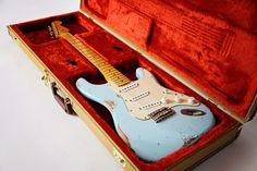 Pinehouse Guitars