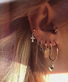Here are Most Beautiful Ear Piercing Ideas to Copy. Hope you liked these Piercing Ideas provided in this list. Ear Jewelry, Trendy Jewelry, Cute Jewelry, Luxury Jewelry, Body Jewelry, Jewelry Gifts, Fashion Jewelry, Jewelry Ideas, Jewellery Earrings