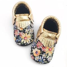 Baby Moccasins Toddler Moccasins Floral moccasins by WildExplorers