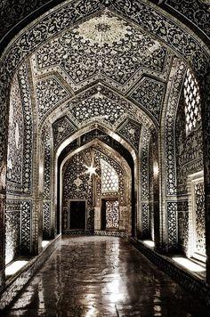 Sheikh Lotf-allah's Mosque - Isfahan - Iran