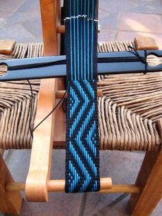 50 Addictive weaving Tutorials to try this summer – Marelize Smith – weberei Inkle Weaving Patterns, Weaving Textiles, Loom Patterns, Card Weaving, Weaving Art, Loom Weaving, Finger Weaving, Inkle Loom, Weaving Projects