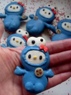 HELLO KITTY COOKIE MONSTER MACAROONS