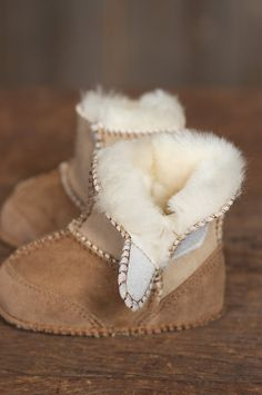 Fine Australian sheepskin gives these beautifully stitched booties a soft, two-tone suede on the outside and cozy shearling wool on the inside. #OverlandSheepskin