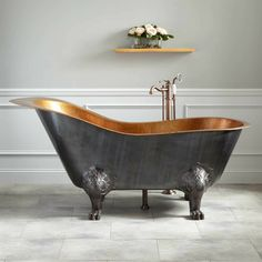 McQuire Hammered Copper Slipper Clawfoot Tub with Bright Copper Interior - Bathtubs - Bathroom Copper Interior, Home Interior, Interior Design, Bad Inspiration, Bathroom Inspiration, Copper Tub, Hammered Copper, Antique Copper, Wainscoting Bedroom