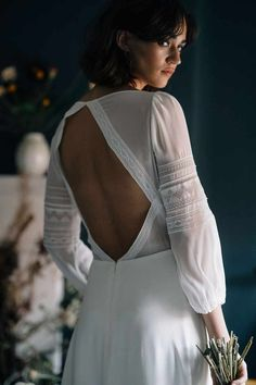 Backless ethical wedding dress by Rolling in Roses. #ethicalweddingdress #lmdcollective #rollinginroses #ecobride #peacesilk #ethicalwedding #sustainablewedding #backlessweddingdress