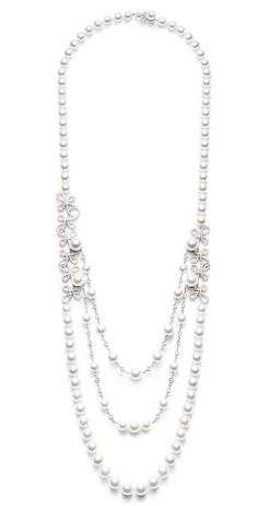 Piaget Couture Précieuse necklace Magnificent Adornments Inspiration in white gold set with 593 brilliant-cut diamonds (approx. cts) and 98 Akoya white pearls. High Jewelry, Pearl Jewelry, Diamond Jewelry, Jewelry Box, Jewelery, Diamond Earrings, Pearl Necklace, Jewelry Accessories, Vintage Jewelry