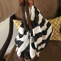 Summer tote Black & white stripes summer tote with wood handle. Removable strap. Banana Republic Bags
