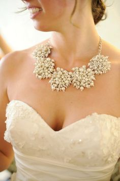Pearl Bridesmaids Necklaces, look like snowflakes, perfect for a winter wedding
