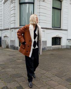 """Linda Tol on Instagram: """"New Favorite coat for Winter @mango #mangogirls"""""""