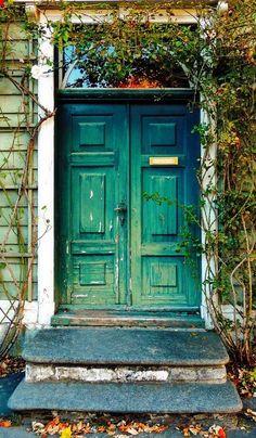 beautiful blue&green door, Bergen, Norway http://500px.com/