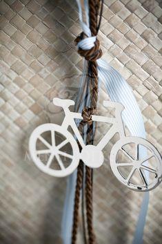 Μπομπονιέρα βάπτισης κρεμαστή με ποδήλατο