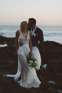 Meg & Jamie's Beach Villa Wedding in Bali - Hochzeit Wedding Ideias, Two Piece Wedding Dress, Beach Wedding Photos, Wedding Pictures, Wedding Photography Poses, Bridal Style, Wedding Gowns, Wedding Outfits, 2017 Wedding