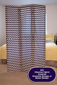 DIY Room Divider I need to make this! Tutorial on how to make a DIY dressing screen or room divider at Making the World Cuter—– so I can hide my built in desk Fabric Room Dividers, Decor, Home Diy, Vintage Room, Room Diy, Diy Furniture, Diy Home Decor, Diy Room Divider, Home Decor