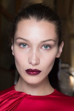 Red glitter lip. Atelier Versace. Bella Hadid. Pat McGrath