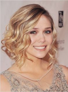 Medium hairstyles own their popularity among women for their versatile shapes and styles. Besides, they are also being popular with low-maintenance. The easy-to-go medium hairstyles will absolutely save you a lot of time every day. They are also a good transitional hair look if you want to keep your short hair for a gorgeous cascade[Read the Rest]