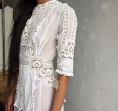 Lace detail // vintage white dress // wedding.