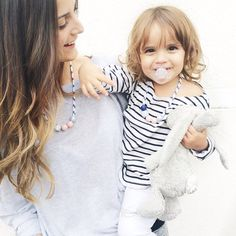 I'm so happy to see the adorable @leiasfez from Diapers & Milk and her cute daugther India wearing my #monpetitzoreol necklace, what a beautiful style! Thanks a lot for this photo #monpetitzoreol #womennecklace #kidsnecklace #handmade #woodenbeads #happyfriday