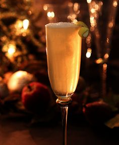 french 75 an elegant champagne cocktail for new years eve french 75 ...