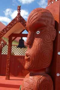 Maori people have a distinctive culture, much of which is based around the marae – the meeting place of an iwi (tribe) or hapu (subtribe). The word marae refers to the open ground in front of a wharenui (meeting house), although the word is sometimes used to refer simultaneously to the wharenui, the open space and other communal facilities. Maori People, Meeting Place, Lion Sculpture, Merry, Community, Culture, Christmas Ornaments, Space, Architecture