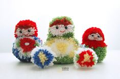 DIY pompon matriochka | in french and does not have many pictures but i got an idea how to make it.
