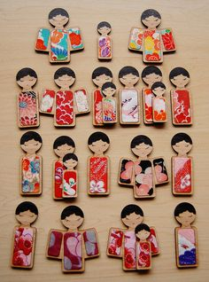 kokeshi doll brooches, possible clay or printmaking inspiration Momiji Doll, Kokeshi Dolls, Kimono Origami, Felt Crafts, Diy Crafts, Japon Tokyo, Japan Crafts, Japanese Art, Japanese Doll