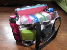 Co-op Morning Organization with a color-coded supply bag {The Unlikely Homeschool}  Makes getting out the door on co-op mornings go sooooo much smoother.