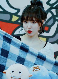 Imagem de red velvet and wendy Seulgi, Kpop Girl Groups, Korean Girl Groups, Kpop Girls, Wendy Red Velvet, Red Velvet Irene, Rapper, Fandom, Korean Outfits