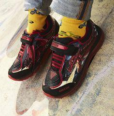 Ακαταμάχητα Urban αγορίστικα sneakers GEOX με λάστιχο & αυτοκόλλητο για τέλεια εφαρμογή ! Fall Winter, Autumn, Running Shoes, Sneakers, Red, Black, Fashion, Runing Shoes, Tennis