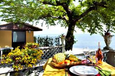@Camping Bergamini - Peschiera del Garda ... Garda Lake, Lago di Garda, Gardasee, Lake Garda, Lac de Garde, Gardameer, Gardasøen, Jezioro Garda, Gardské Jezero, אגם גארדה, Озеро Гарда ... Welcome to Camping Bergamini Peschiera del Garda. Camping Bergamini is a family run facility established in 1954. The result of over 50 years experience is an offer of kindness and understanding the needs of our guests, with a personal touch often missing at more commercia