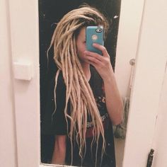 dreads, blonde, and dreadlocks image Dreadlocks Girl, Blonde Dreads, Hippie Dreads, Dread Braids, Hippie Hair, Locs, Pretty Dreads, Beautiful Dreadlocks, Keratin
