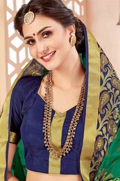 Beautiful Girl Indian, Most Beautiful Indian Actress, Beautiful Saree, Indian Face, Pinterest Girls, Indian Fashion, Womens Fashion, Glamorous Makeup, Indian Beauty Saree