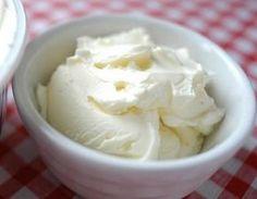 """Готовим сыр """"Филадельфия"""" в домашних условиях!По этому рецепту можно приготовить близкий аналог к дорогому творожному сыру, изготовленному в промышленных условиях. Нежный, сладковатый на вкус он испол…"""