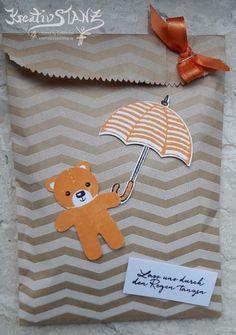 Goodietuete Baerchen Stampin' Up! KreativStanz Ausgestochen weihnachtlich Stanze Lebkuchenmännchen Donnerwetter Bär Schirm http://kreativstanz.bastelblogs.de/ #bear #umbrella