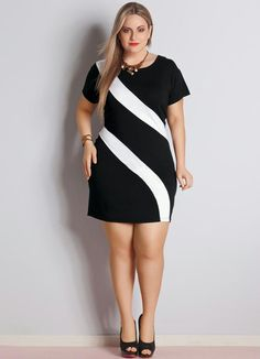 Vestido Bicolor Preto e Branco Plus Size - Posthaus                                                                                                                                                     Mais