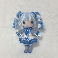 ❄️❄️Her name is Snow... I love her curls..do you? ❄️❄️ #crochet #amigurumi #crochetaddict #crochetlove #yarn #yarnlover #handmade #haken #häkeln #crochetdoll #doll #ganchillo #вязание #코바늘인형 #かぎ針編み #амигуруми #钩针 #crochetwawa