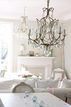 romantic chic/beautiful chandelier