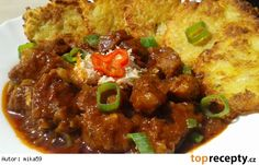 Pikantní vepřové kostky na česneku Czech Recipes, Ethnic Recipes, Pork Tenderloin Recipes, Snack Recipes, Snacks, Chana Masala, Stew, Chili, Low Carb