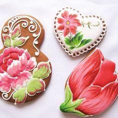 Формочки для пряников и печенья. Стоимость формочек зависит от размера по большей стороне: до 8 см - 35 гривен, от 9 до 12 см - 50 гривен. Inspiration from Pinterest.com