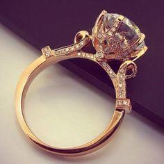 Beautiful ring  Fantastic gold engagement rings design 2014