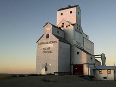 size: Photographic Print: Exterior of Grain Elevators Poster by Pete Ryan : Agriculture, Grain Storage, Grain Silo, Building A Tiny House, Modern Farmhouse Design, Country Barns, Model Train Layouts, Old Farm, Model Trains