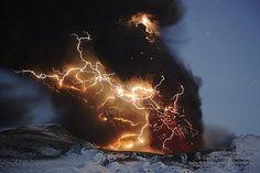 lightning in a volcanic eruption
