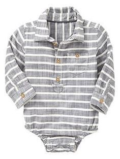 Baby Gap has the best collared onesies for boys. They're soft, stretchy and come in lots of great colors. #babyboystyle