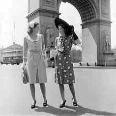 Arc De Triomphe in Paris in the 40's :) two of my favorites
